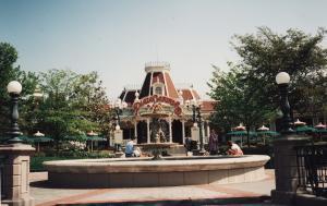 Vos vieilles photos du Resort - Page 15 Mini_114510L157