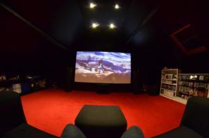 Votre Coin Jeux / Votre Installation Home Cinéma... Mini_248118DSC00232