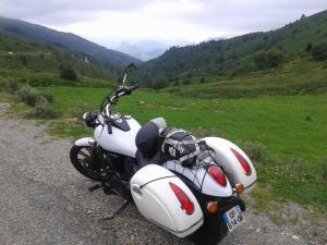 900 VN - blanc nacré Mini_32911510458891102035635464222545204143149759457213n