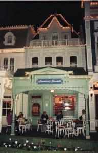 Vos vieilles photos du Resort - Page 15 Mini_346315L21