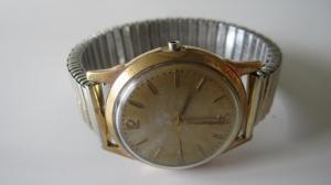 Jaeger -  [Le TOPIC des demandes d'IDENTIFICATION et RENSEIGNEMENTS de montres est ICI] Mini_355525IMG0605