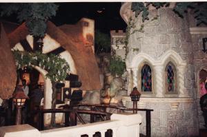 Vos vieilles photos du Resort - Page 15 Mini_557429M153