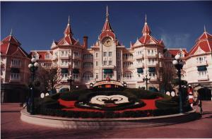 Vos vieilles photos du Resort - Page 15 Mini_565647H58
