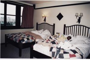 Vos vieilles photos du Resort - Page 15 Mini_572435H35
