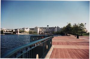 Vos vieilles photos du Resort - Page 15 Mini_588841H8
