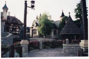 Vos vieilles photos du Resort - Page 15 Mini_660509M98