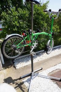 pied d'atelier pour vélo  Mini_732976Pied1