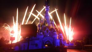Vos photos des feux d'artifice et show nocturne ! - Page 3 Mini_755022Disney110711193