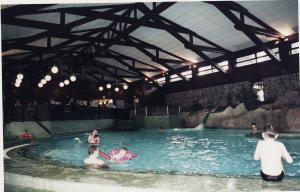 Vos vieilles photos du Resort - Page 15 Mini_768748H36