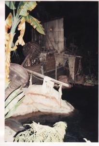 Vos vieilles photos du Resort - Page 15 Mini_825479A255