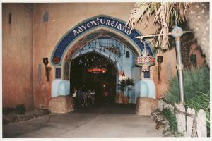 Vos vieilles photos du Resort - Page 15 Mini_834076A67