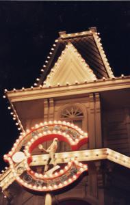 Vos vieilles photos du Resort - Page 15 Mini_877548L17