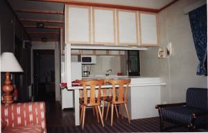 Vos vieilles photos du Resort - Page 15 Mini_881777H47