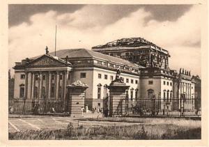 La bataille de Berlin. - Page 2 Mini_908182opernhausdetruit