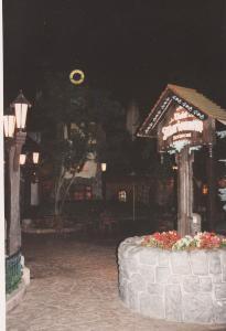 Vos vieilles photos du Resort - Page 15 Mini_910753M88