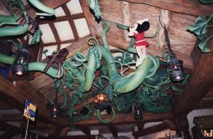 Vos vieilles photos du Resort - Page 15 Mini_913386M178