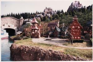 Vos vieilles photos du Resort - Page 15 Mini_971540M31
