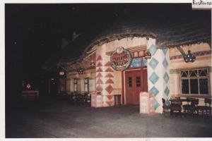 Vos vieilles photos du Resort - Page 15 Mini_974902A124