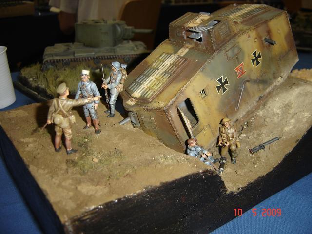A7V [TAURO MODEL 1/35e] Le premier Panzer - Page 2 180926Expo_Eschau_332