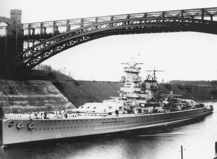 L'admiral Graf Von Spee - Page 2 216040admiral_graf_spee_09