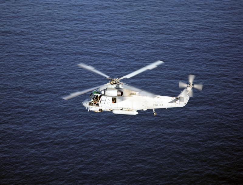 KAMAN H-2 SEASPRITE 22911USN_SH_2G_over_water