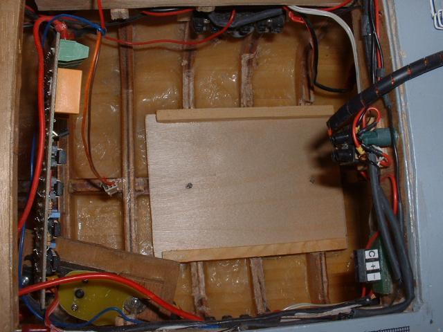 Remorqueur Abeille Liberté (plan MRB 1/75°) de christus57 283251montage__plateforme_batterie