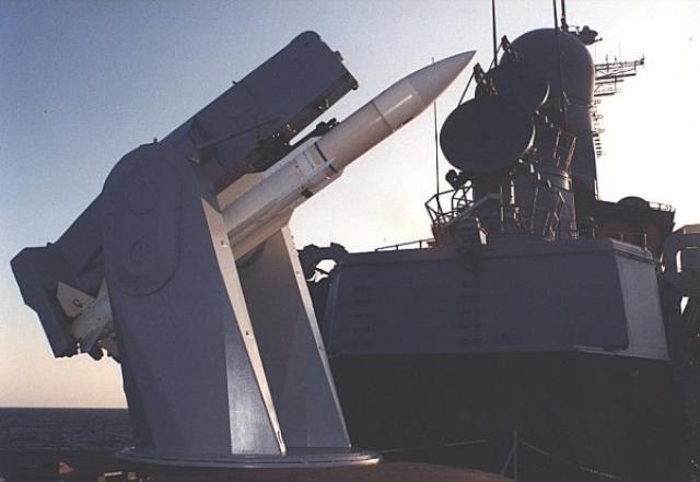DESTROYERS CLASSE FORREST SHERMAN - Page 2 295222Tartar_missile