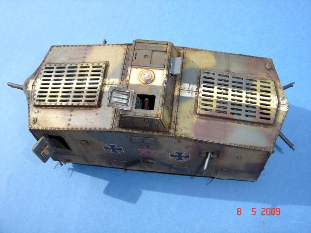 A7V [TAURO MODEL 1/35e] Le premier Panzer - Page 2 307739mai_2009__19_M