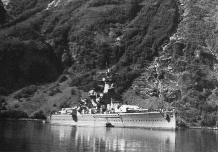 L'admiral Graf Von Spee - Page 2 398388admiral_graf_spee_13