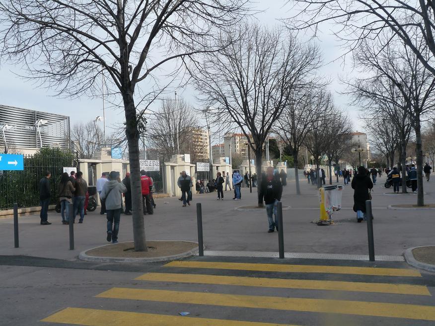 OM //BENFICA ...PHOTOS VIDEOS ..LA DESILLUSION EUROPEENNE 472135P1070385