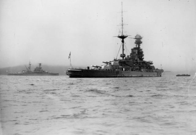 ROYAL NAVY CUIRASSES CLASSE REVENGE 587762HMS_Revenge_et_HMS_Royal_Oak