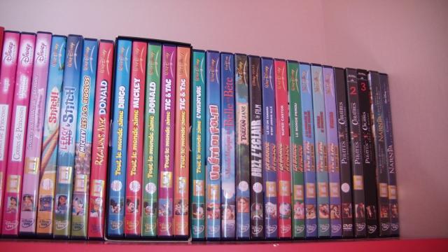 Postez les photos de votre collection de DVD Disney ! - Page 38 61664CAM_0127