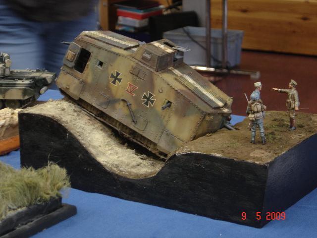 A7V [TAURO MODEL 1/35e] Le premier Panzer - Page 2 685388Expo_Eschau_182