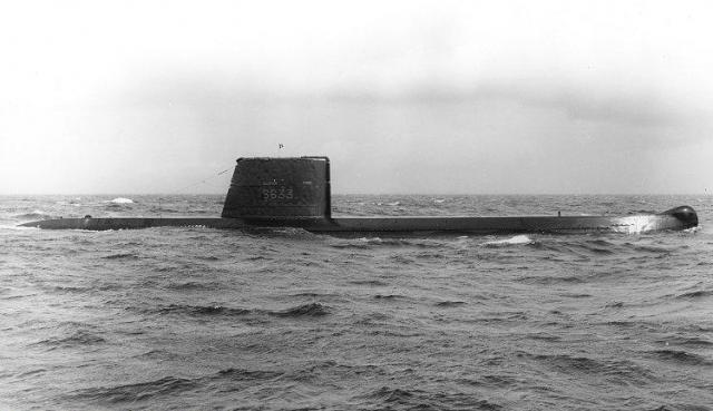 FRANCE SOUS MARINS CLASSE NARVAL 696531Dauphin_27091971