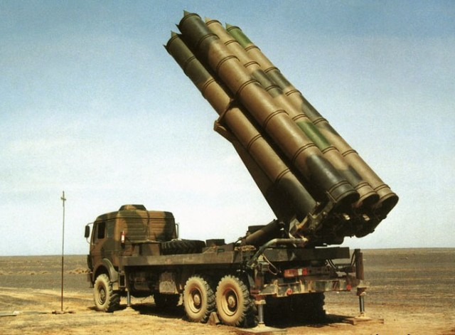 Le WS-1B Chinois.. - Page 2 723903ws_1b_truck_multiple_rocket_launcher_system_truck_Chinese_China_640