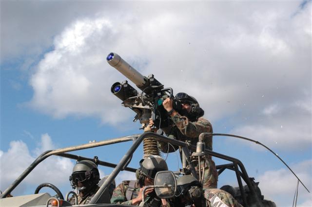 Forces armées de Singapour/Singapore Armed Forces (SAF) 748217our_weapons0.Par.0080.Image