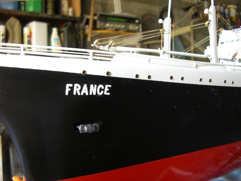Paquebot France (New Maquettes 1/200°) par Henri - Page 8 771384IMGP1022
