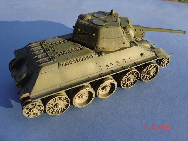 T-34 modèle 43 [Zvesda/Revell 1/35e] 801263mai_2009_197