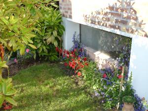 petit tour de la maison a l'extérieur - Page 2 Mini_332084DSC03621