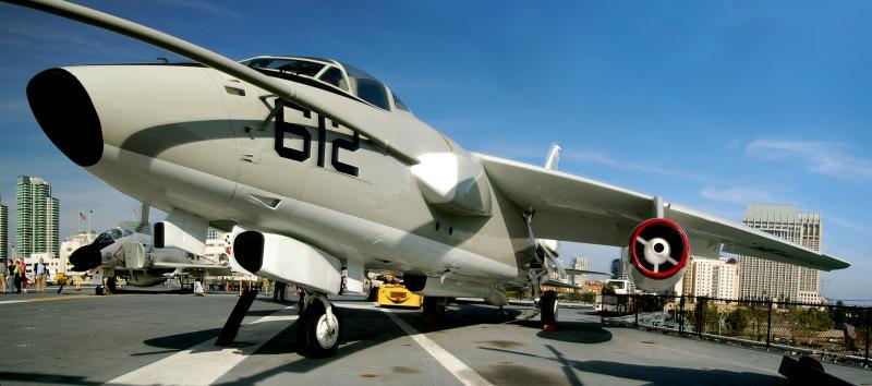 DOUGLAS A-3 SKYWARRIOR 110690Douglas_EKA_3_Skywarrior_USS_Midway_2007_03_25