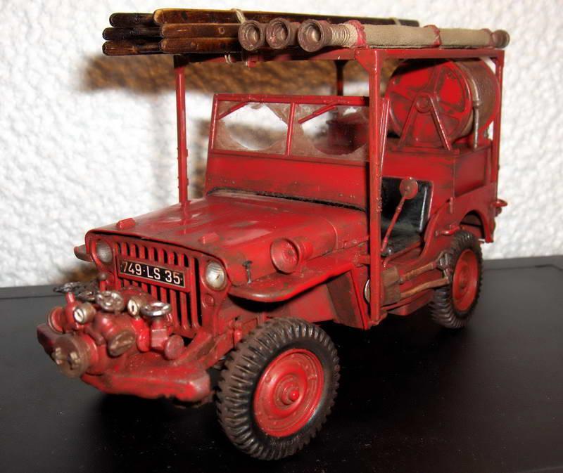 Fire jeep 1/24 Italeri terminée,les détails en photos 116302HPIM1010