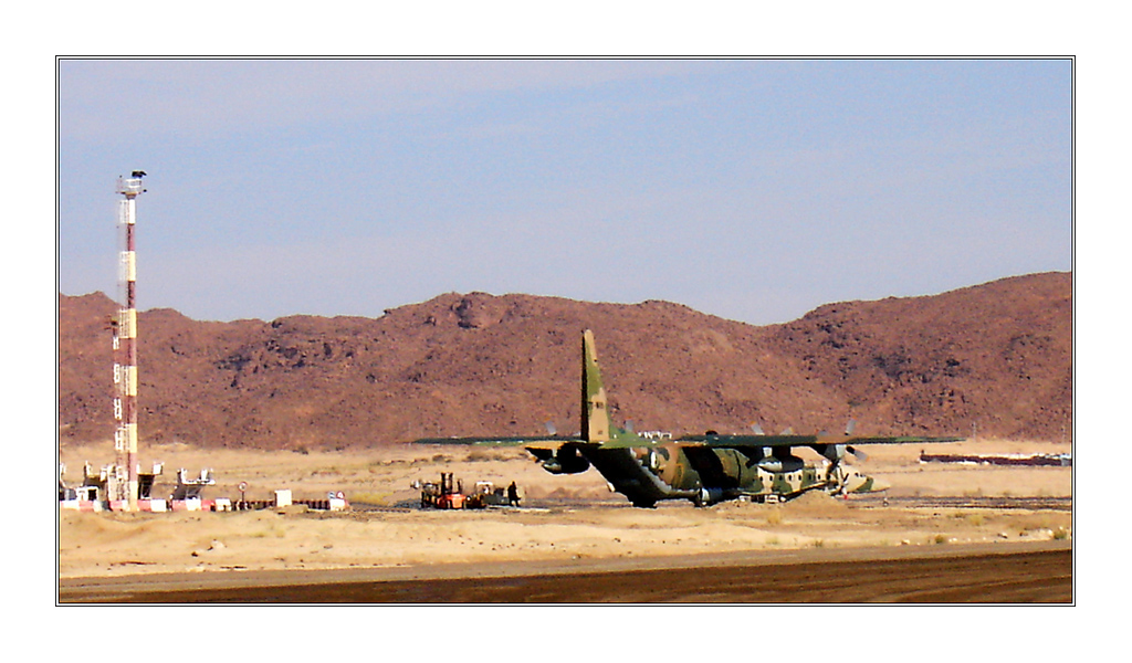 طائرة النقل سى-130 هرقل  CC-130 Hercules - صفحة 2 118826316329271_1f24ac9c0d_o