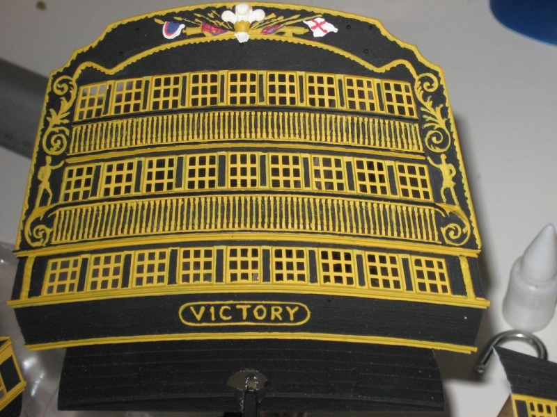 HMS VICTORY au 1/100ème de HELLER 126924poupemodif