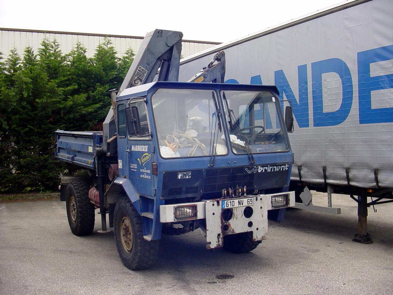 Marbrerie Vienney (69) 153736Strange_Truck_Peroud_01_Juin_2010