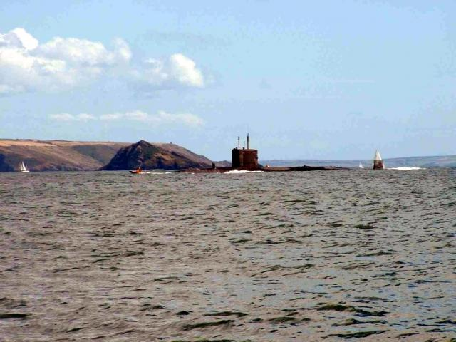 SOUS MARINS NUCLEAIRE D'ATTAQUE CLASSE TRAFALGAR 181576HMS_Torbay_plymouth_sound_2003