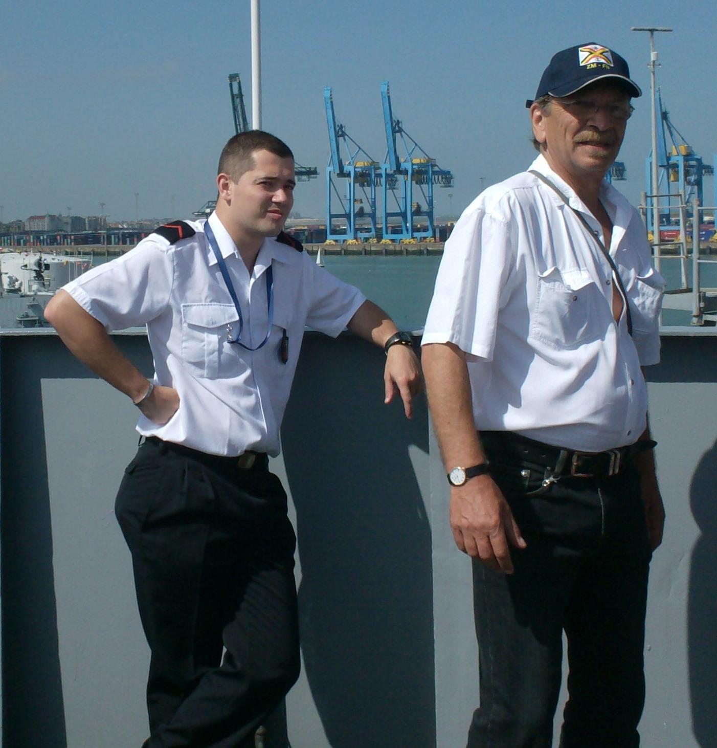 Vos photos du Navy Day 03&04/07/2010  - Page 2 181590HPIM1444