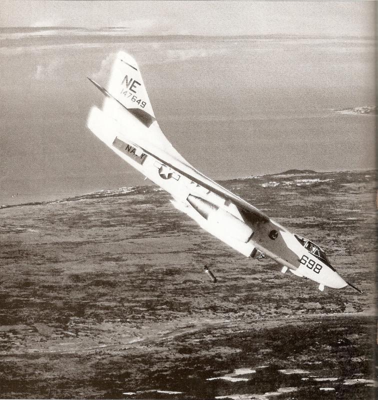 DOUGLAS A-3 SKYWARRIOR 228672A_3B_VAH_8