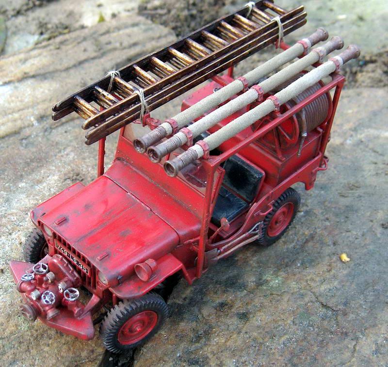 Fire jeep 1/24 Italeri terminée,les détails en photos 253380HPIM1046