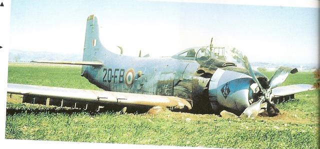 DOUGLAS A-1 SKYRAIDER 267188Skyraider_EC_3_20_accidente