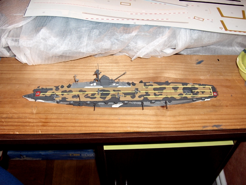 DKM Graf Zeppelin [revell 1/720] - Page 4 268085HPIM1240